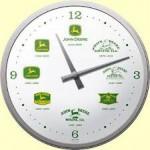 Horloge murale vintage : John Deere les différents logos de la marque
