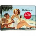 Plaque en métal 14 X 10 cm : Coca-Cola et un couple à la plage