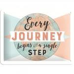 """Plaque en métal 15 X 20 cm """"Every journey begins ..."""" - """"Chaque voyage commence avec ..."""""""