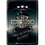 """Plaque en métal 14 X 10 cm Harley-Davidson : """"Things are different on a Harley"""""""