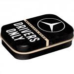 Boîte à pilules Mercedes-Benz : Drivers only